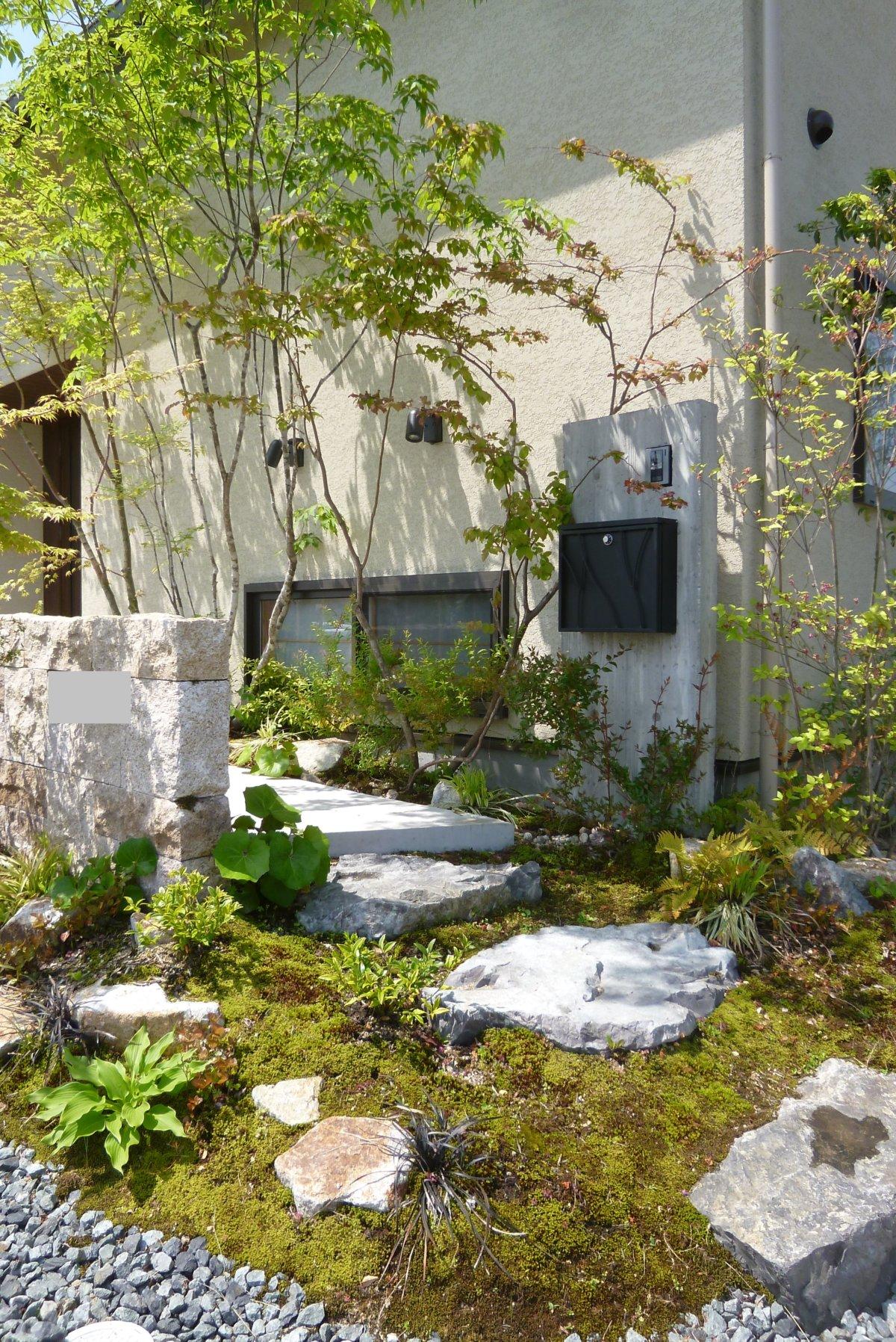 お庭の施工例「門柱④」
